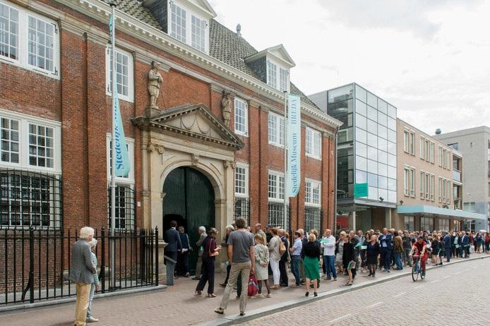 Rijen voor Stedelijk Museum Breda