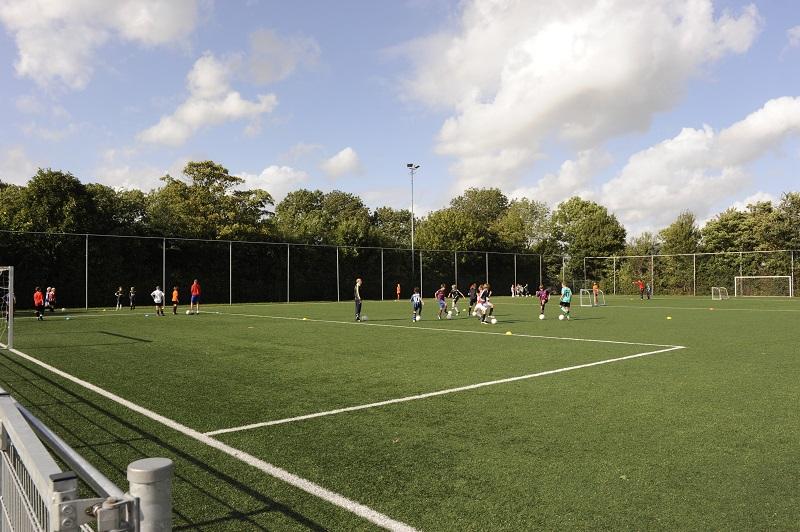 voetbal training DOSR Roelofarendsveen